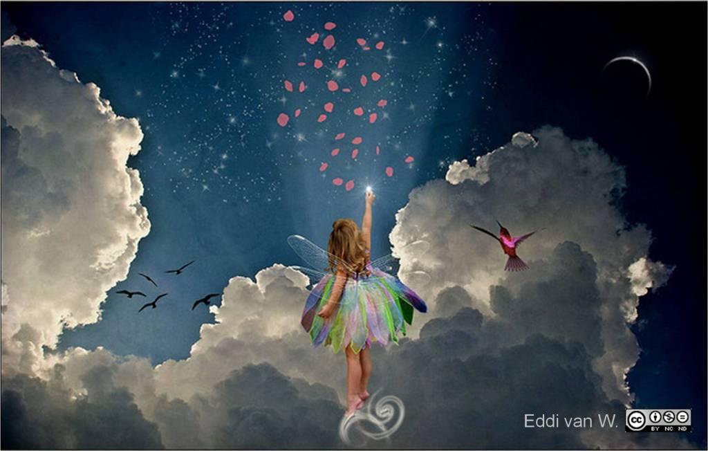 niña con alas en medio de nubes intentando tocar una estrella